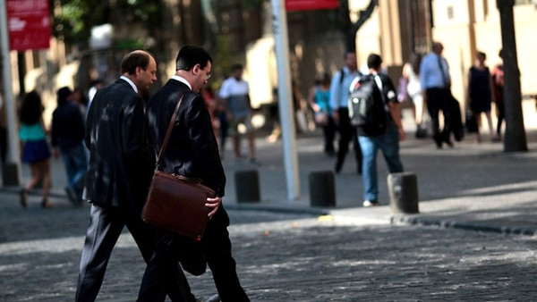 Las Solicitudes De Subsidio Por Desempleo En EEUU Volvieron A Bajar.