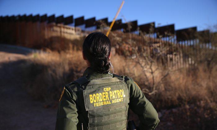 Los Votantes Hispanos Están A Favor De Fronteras Más Fuertes En EEUU, Según Encuesta.