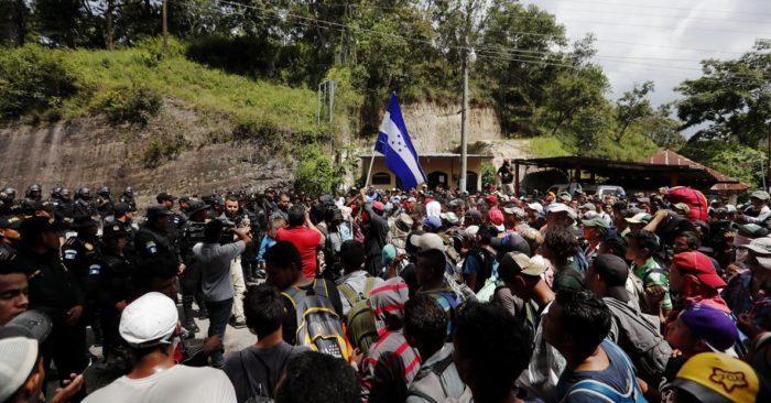 ¿Quién Está Financiando Las Caravanas De América Central?