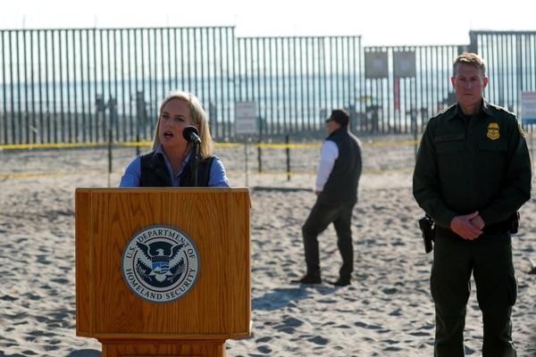 """La Secretaria De Seguridad Nacional De Estados Unidos Dijo Que Identificaron A """"unos 500 Criminales"""" En La Caravana Migrante"""