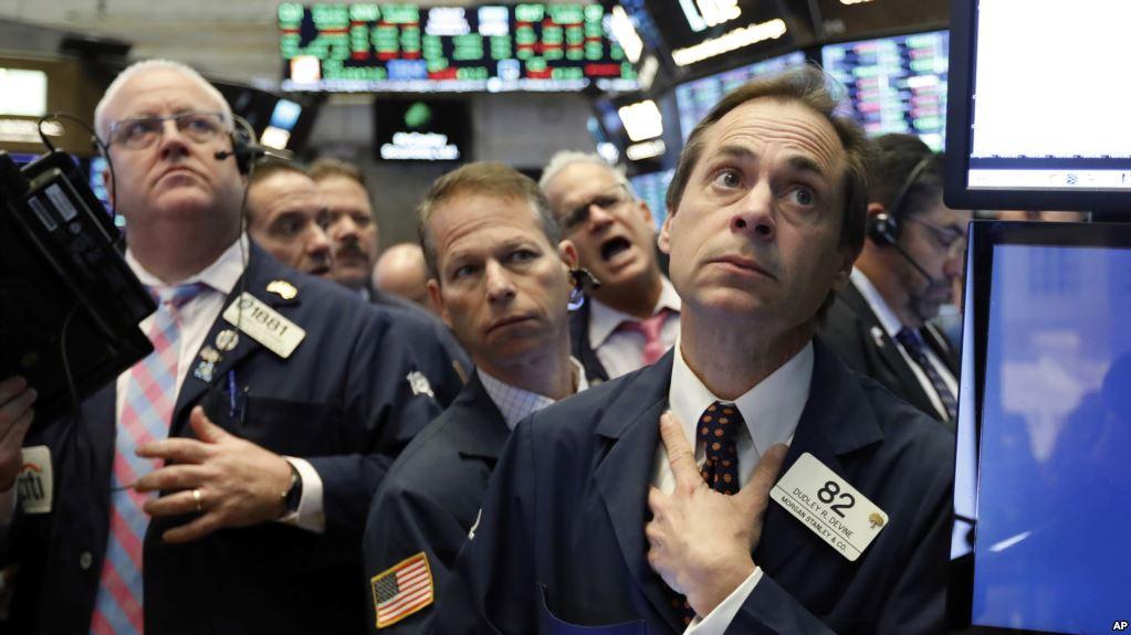 Wall Street Reporta Fuerte Baja Por Acciones Tecnológicas Y Minoristas