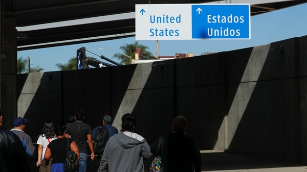 Estados Unidos Cerró Sorpresivamente El Cruce Fronterizo Con México Donde Llega El Grueso De La Caravana Migrante